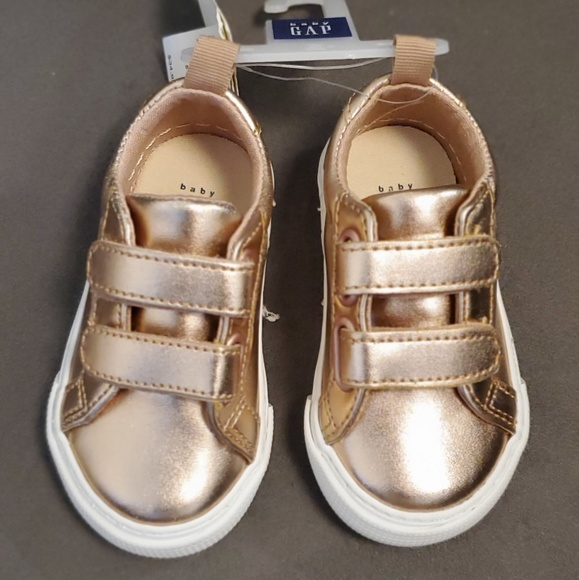 GAP Baby Toddler Boy NWT Size 5 Tan Brown Canvas Hi-Top Sneakers Shoes Boots
